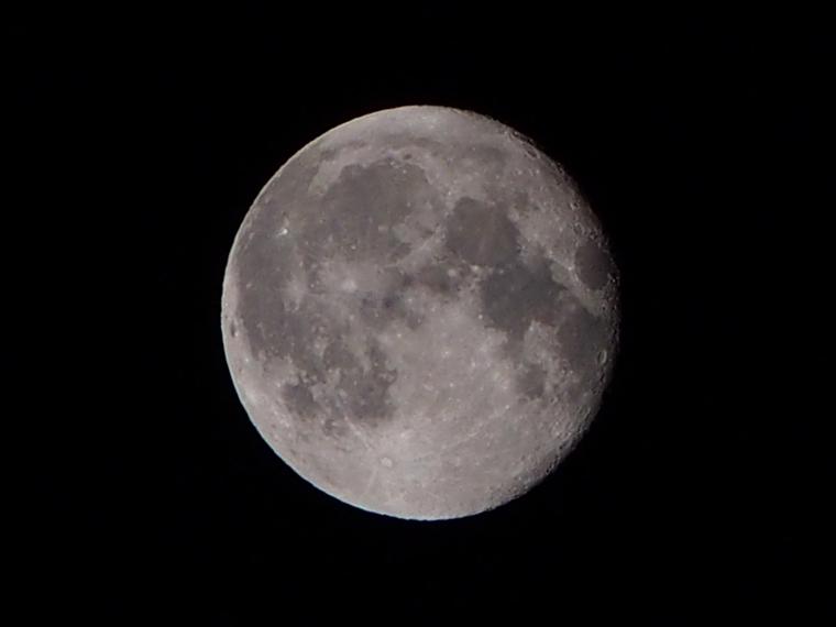 9月30日未明の月